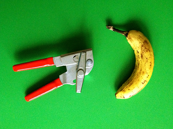 can opener + banana-LOW